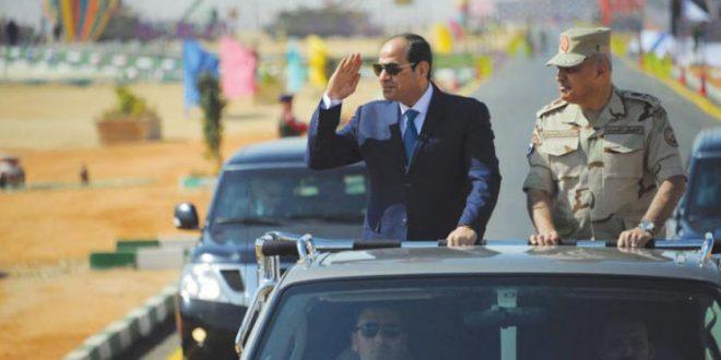 وزير الدفاع يتعهد «ردع محاولات نشر الفوضى» على حدود مصر.. السيسي يتفقد قوات الجيش الثالث في السويس