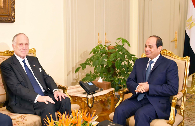 الرئيس السيسي يدعو المجتمع الدولي إلى اتخاذ موقف حازم في مواجهة الإرهاب