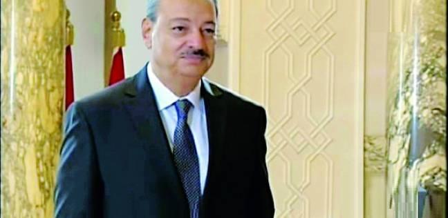 حبس سكرتير عام محافظة السويس واثنين آخرين 4 أيام في قضية الرشوة