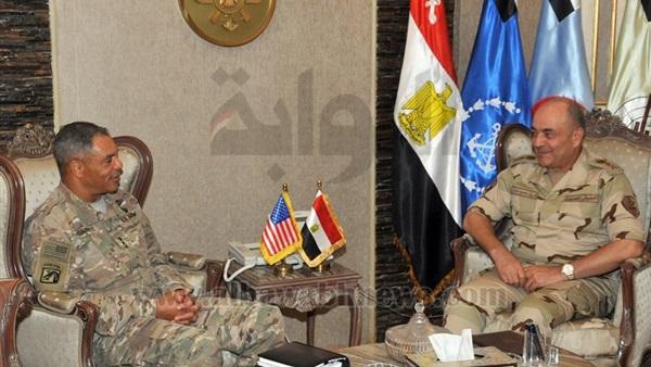 رئيس الأركان يلتقي قائد القوات البرية للقيادة المركزية الأمريكية