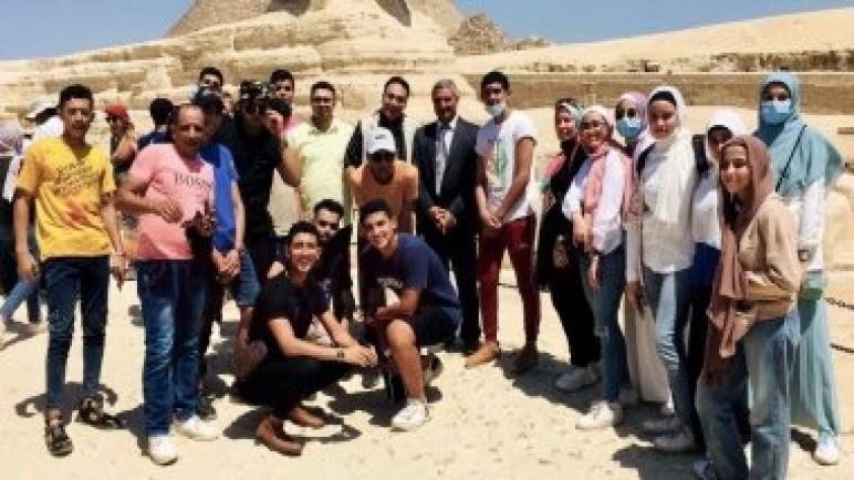 رحلة توعية سياحية للطلاب المتفوقين دراسيا من أبناء محافظة شمال سيناء.. صور