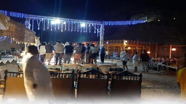"""السياحة الداخلية تنعش مدينة """"دهب"""".. ومحافظ جنوب سيناء: 85% نسبة الإشغال"""