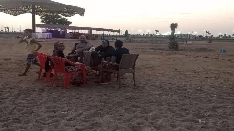 مواطنون يقضون ثان أيام عيد الأضحى على شواطئ جنوب سيناء- صور