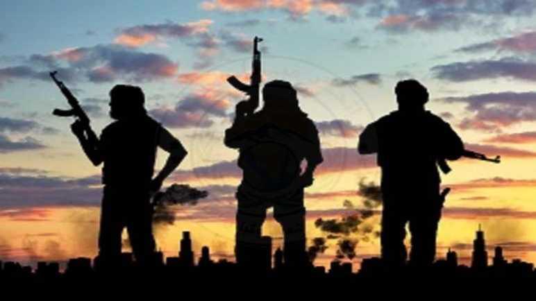 بالصور .. قوات إنفاذ القانون تقتل وتصيب عناصر ارهابية في محيط مدينة بئر العبد