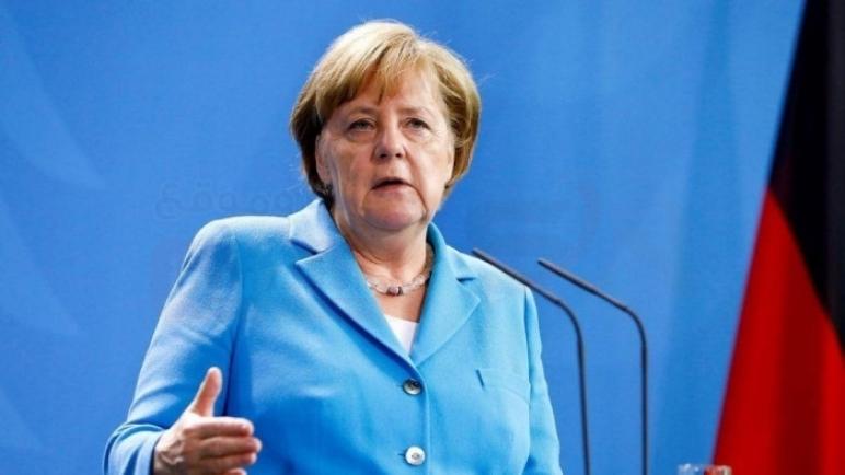 ميركل تدعو أوروبا إلى إظهار الشجاعة تجاه روسيا