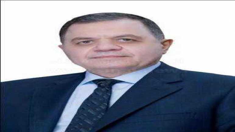 لجهودهم في تحقيق رسالة الأمن.. وزير الداخلية يكافئ 612 من رجال الشرطة